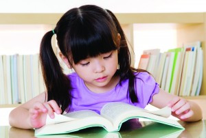 Child_girlreadingbook