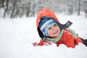 child-playing-snow